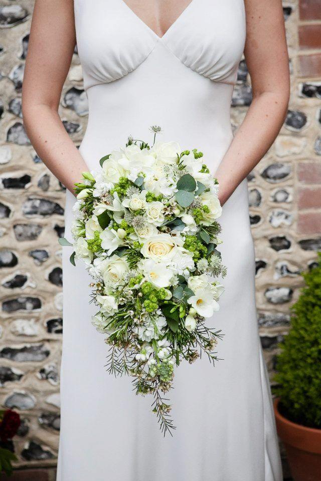 71 best Tear Drop/Cascade bouquets images on Pinterest | Bridal ...