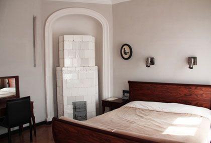 Stary piec kaflowy w Hotelu Pod Różą w Krakowie. www.eskapista.com/pl/polska/hotele/hotel-pod-roza