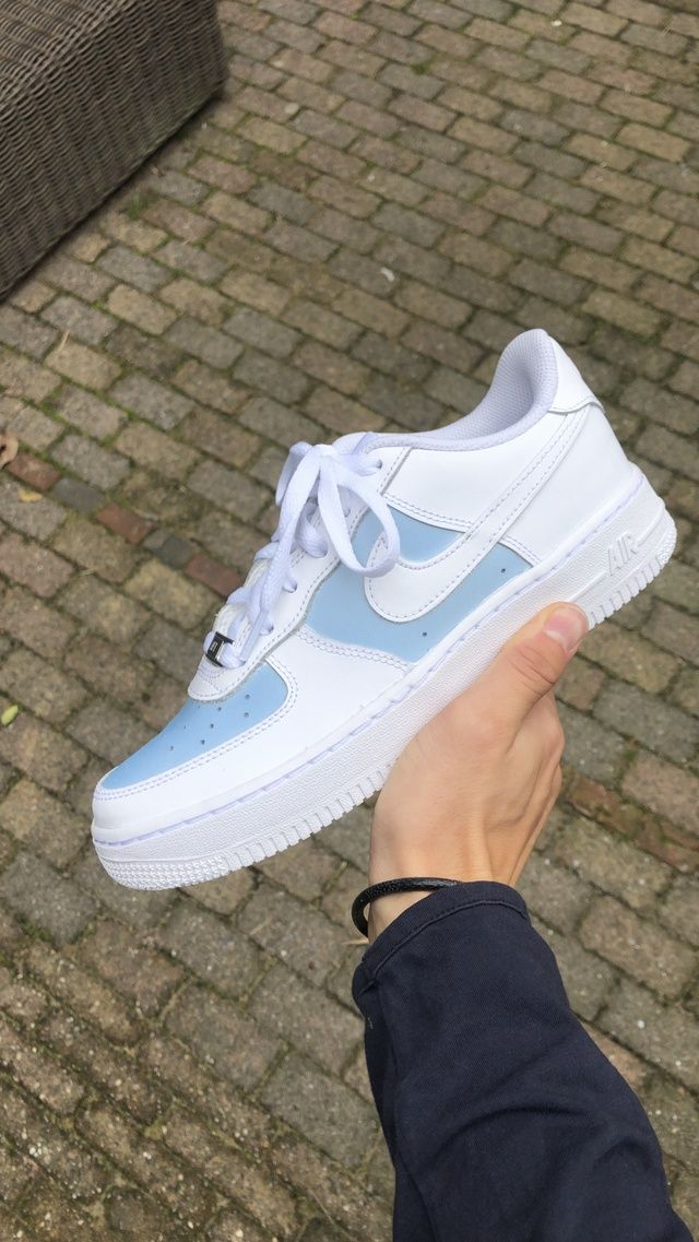 COLORCHANGING AF1 (SUN/UV LIGHT ACTIVATED)   THE CUSTOM MOVEMENT ...
