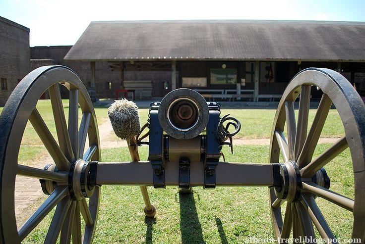 Форт Old Fort Jackson, Саванна, Джорджия  Форт Джексон (Old Fort Jackson) расположен в миле к востоку от города Саванна (штат Джорджия) , на...
