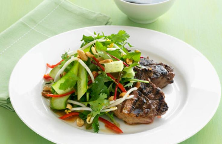 Steak met komkommerslaatje