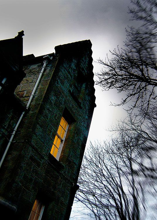 The world 39 s most haunted hotels 12th century maids and for Stay in a haunted castle in scotland