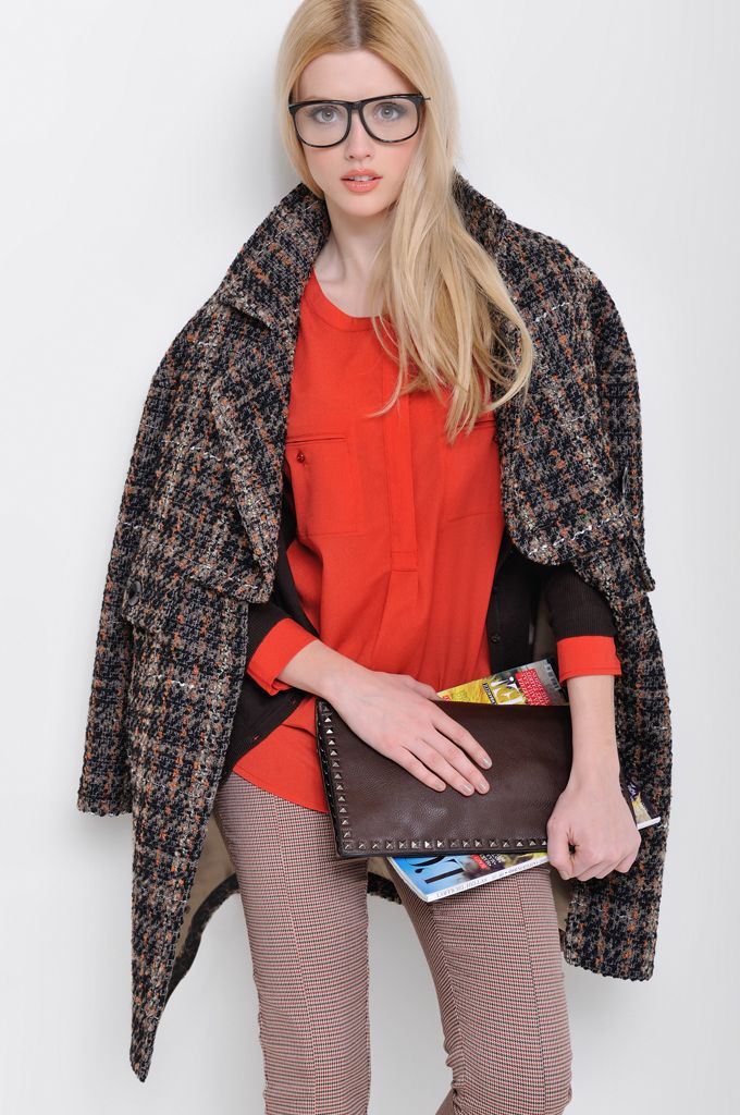 Ruffle neck knitted cardigan, Crew-neck tunic with pockets, Pied de poule skinny pant, Bouclé checked coat