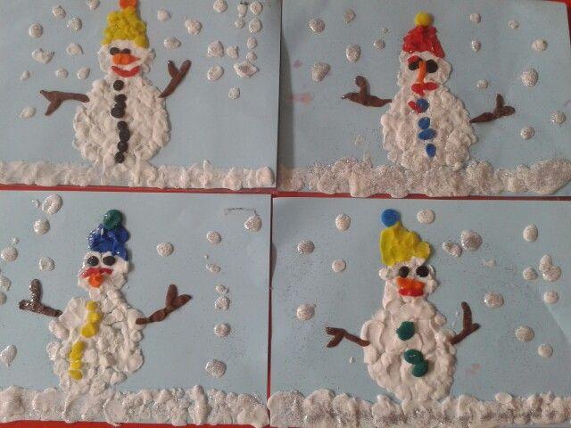 Pupazzi di neve -pongo- 3 anni sez bianca