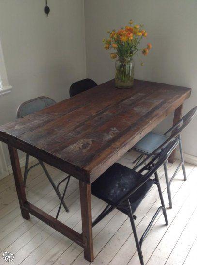 Matbord i industristil (150 cm)