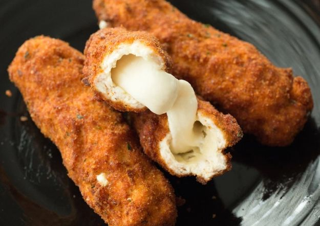 12 Deep Fried Recipes To (Not Literally) Die For | http://homemaderecipes.com/12-deep-fried-recipes/