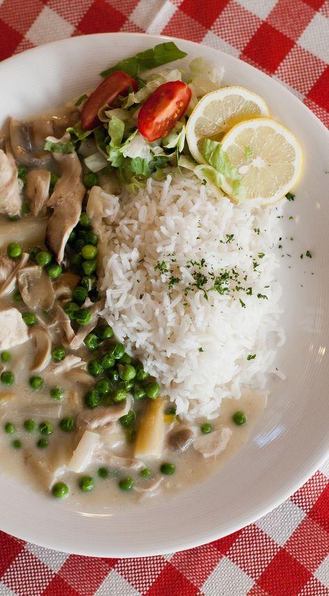 Klassisches Hühnerfrikasse - mit Basmati Reis