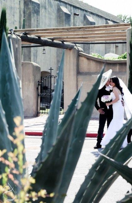 En una boda charra todo va acorde con este tema, hasta el sacerdote tambien puede ser charro, llevar bajo su sotana su traje de charro al cuello su moño de seda blanco bordado en plata.Los novios llegar en carreta, el padre del Novio tambien puede