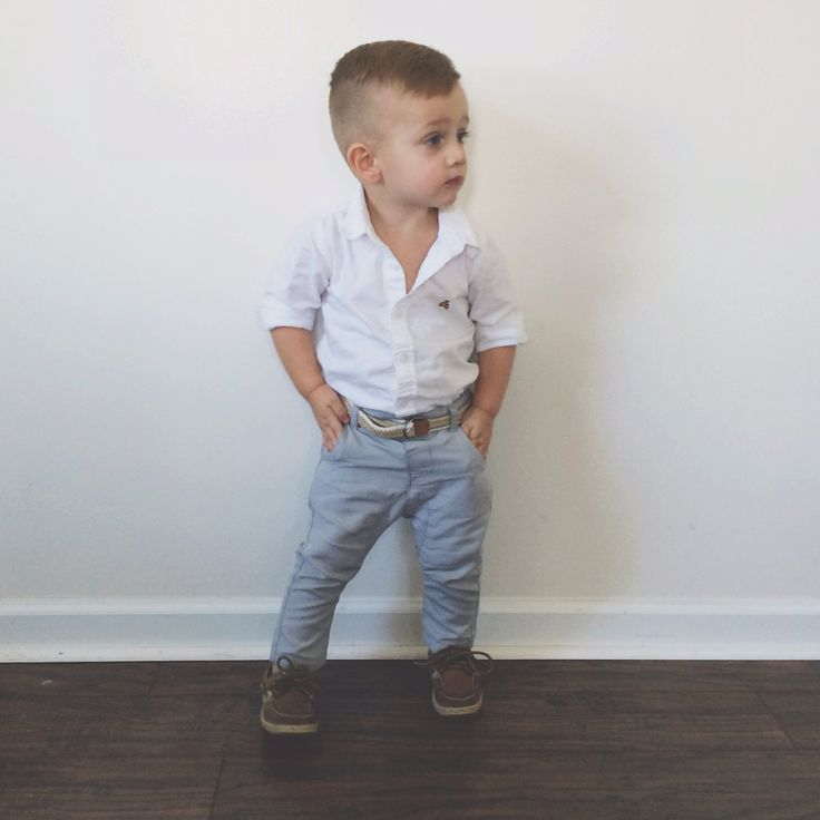 Baby boy fashion via sarahknuth. Laurinha Temponi A cara do Bernardo!