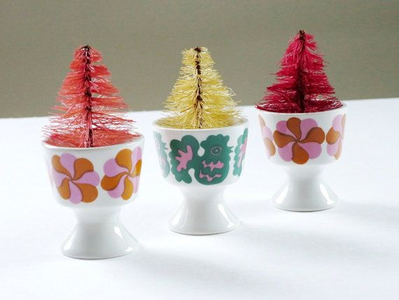 Mid Century Arabia Finland Egg Cup Holders, Kitsch Egg Cups, Finel Finland Egg…