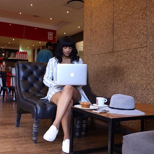 For the young, stylish and always on the move. #vidaecaffe is the perfect location for your busy lifestyle. Work whilst enjoying a quick cuppa