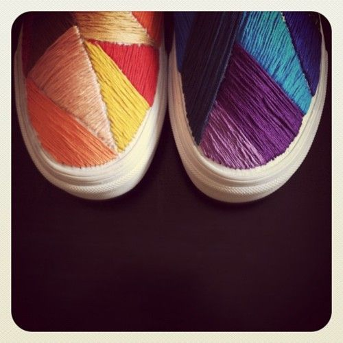 hand embroidered vans: Diy Ideas, Embroidered Vans, Hands, Cute Ideas, Canvas, Cool Shoes, Cool Ideas, Sneakers, Custom Vans