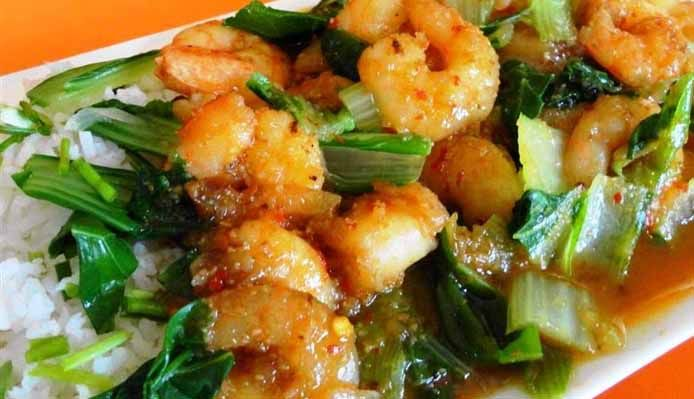 Surinaams eten – Surinam-Chinese Shrimps (wokgarnalen met paksoi op speciale saus)
