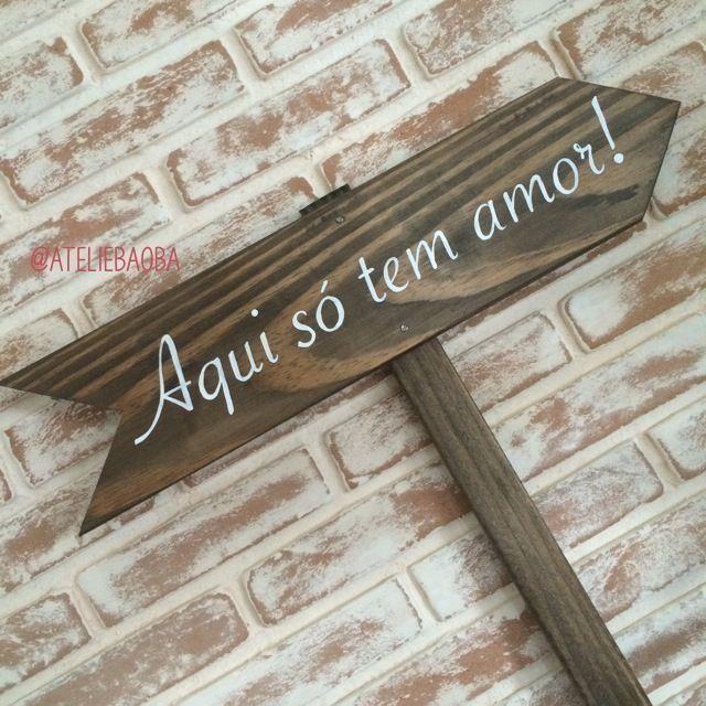 Plaquinha de madeira com seta indicativa para fincar na for Setas para decorar