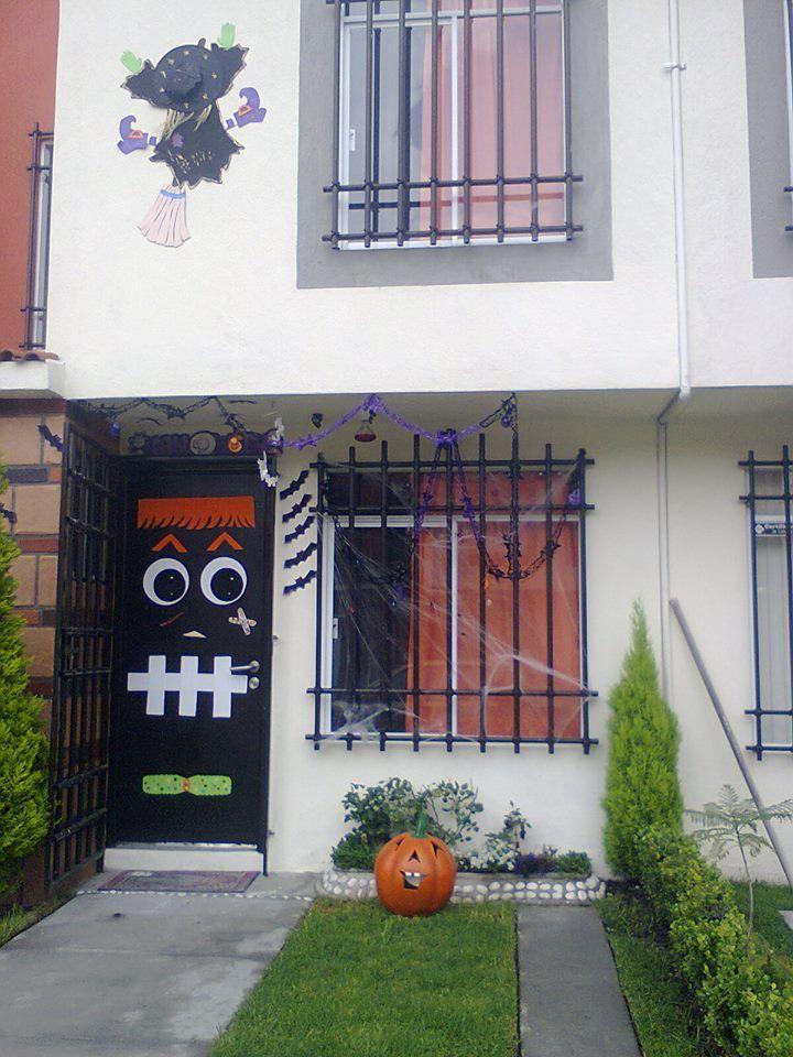 Puerta con decoracion para halloween 2013 y la brujita - Adornos de halloween ...