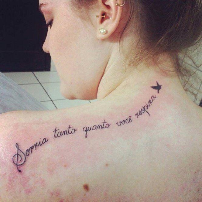 Selecionamos 107 fotos de frases para tatuagens em outros idiomas, religiosas, trechos musicais, românticas, veja frases perfeitas! Fotos e ideias!