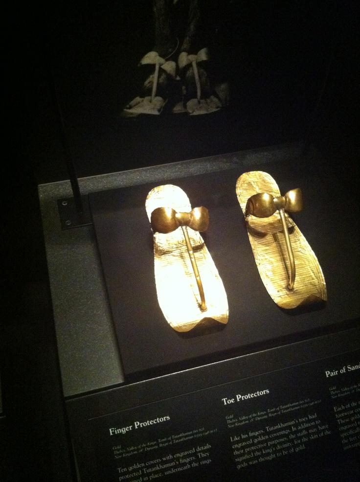 how to make a tutankhamun tomb