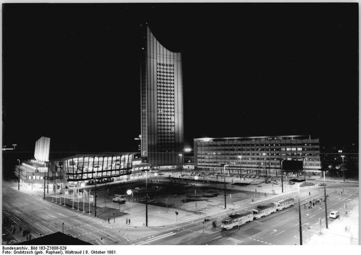 Leipzig 'Neues Gewandhaus' Universitatshochhaus Oktober 1981