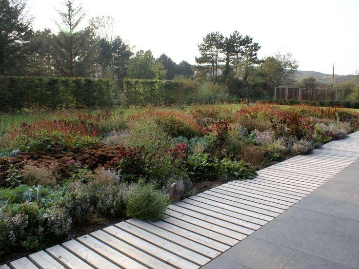 17 best ideas about private garden on pinterest brick for Piet oudolf landscape architect