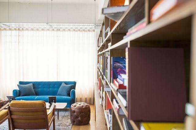 Jeśli uważasz, że miejsce na książki nie jest Ci potrzebne, oznacza to, że Twoje życie jest smutne. Jeśli jednak zasypiasz i budzisz się z książką, na pewno przyda Ci się to, co przeczytasz niżej.