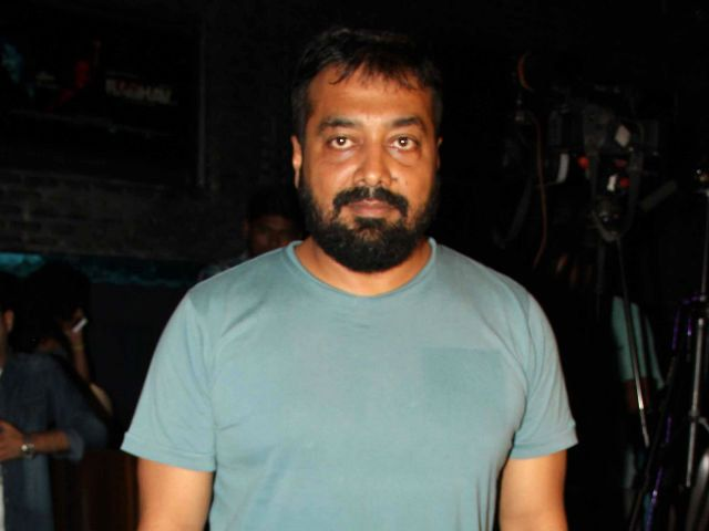 Anurag Kashyap 'Overwhelmed' With Support for 'Udta Punjab' http://www.ndtv.com/video/entertainment/news/anurag-kashyap-overwhelmed-with-support-for-udta-punjab-420487