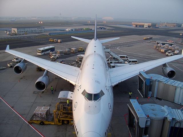 Frankfurt Airport, Dl45