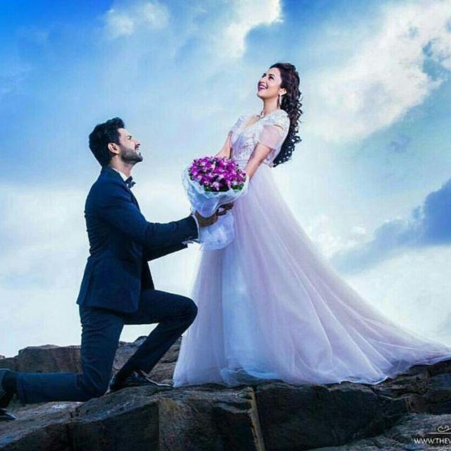 Indian TV Actors Divyanka Tripathi & Vivek Dahiya #PreWedding Pics are giving us all new #Relationship_Goals. via @topupyourtrip