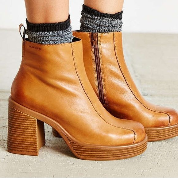 """*ISO* Vagabond Tyra Platform Boots in Saddle Searching for the Vagabond """"Tyra"""" boots in 6-6.5, in Saddle tan color. Please tag me of let me know if you are looking to sell or know someone who is! :) Vagabond Shoes Ankle Boots & Booties"""