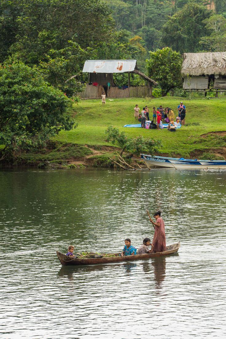 Río Chucará vive a un ritmo tranquilo, como las aguas que lánguidamente pasan por delante de sus casas