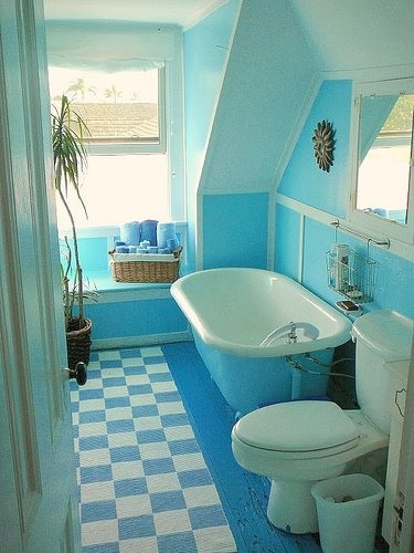 Vintage Bathroom With An Aqua Blue Theme Great Bathtub For Baths