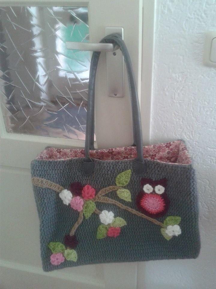 Mooie gehaakte tas met uiltjes!