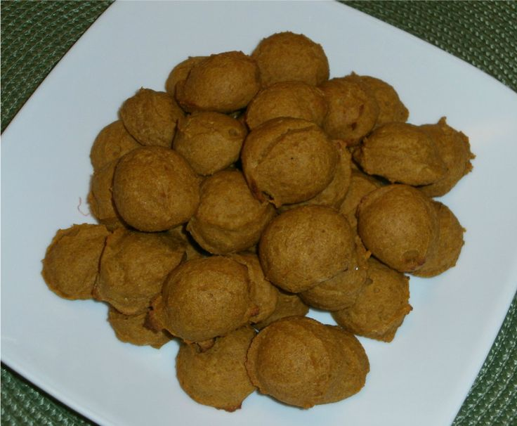 PUMPKIN DOG TREATS RECIPE~ 1 1/2 cups whole wheat flour, 3 tablespoons applesauce, 2 eggs, 3/4 cup canned pumpkin (not pie filling), 1 tablespoon molasses, 1/4 cup water.