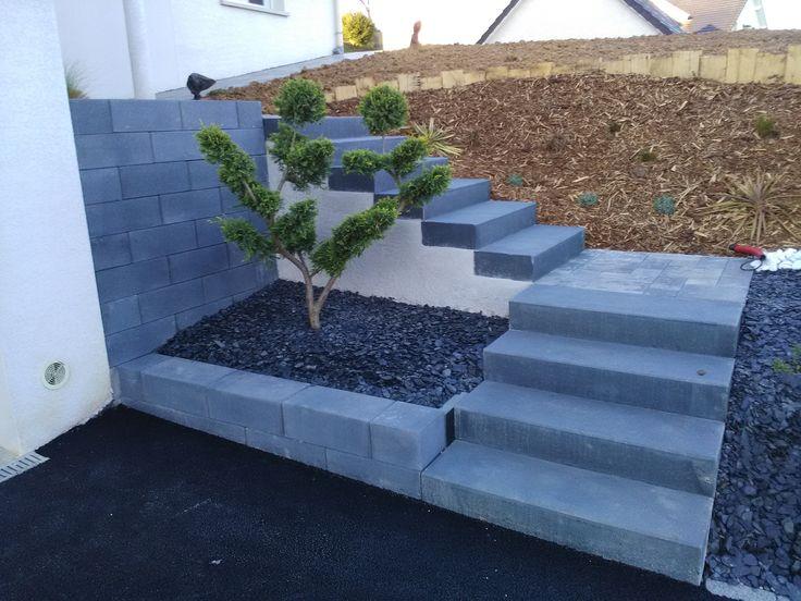 Escalier quart tournant gauche en  bloc marches.