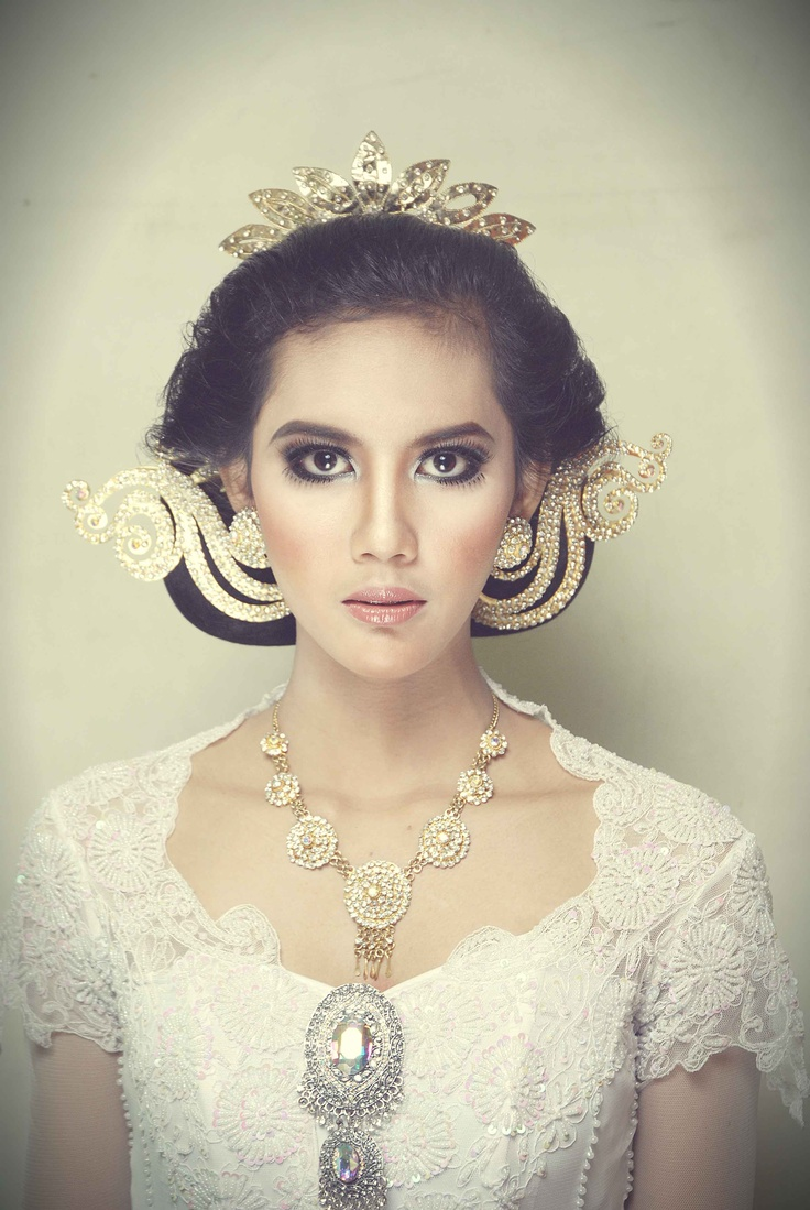 this is one of wedding dress in Javanese culture
