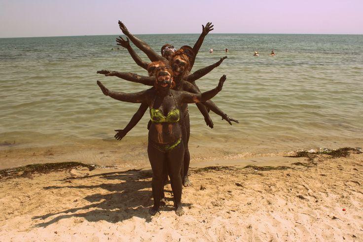 Obóz IGRZYSKA ŻYCIA! Błotni ludzie #obóz #wakacje #Grecja #plaża #morze