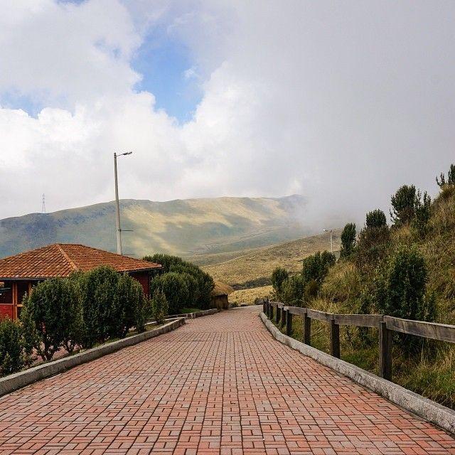Foggy day at Pichincha ⛅️ #pichincha #nature #mountain #travel #sightseeing #quito #Ecuador