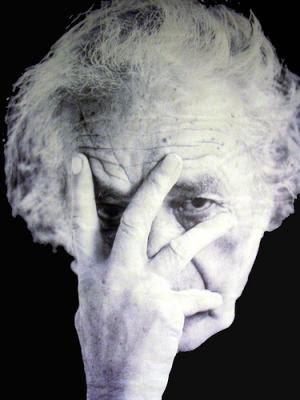 Nicanor Parra, poeta chileno.