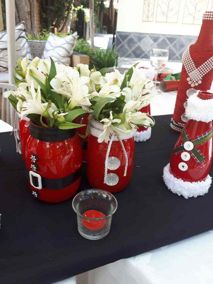 Painted and decorated glass bottles and jars with flowers - Festive!
