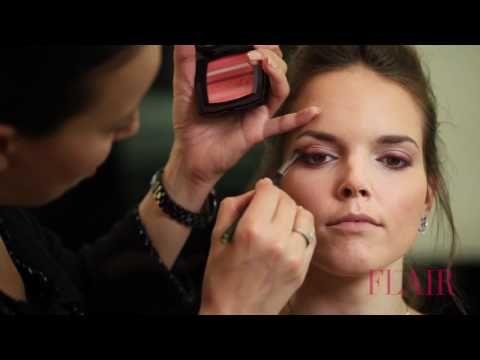 Modelle al trucco con prodotti Chanel - VideoTrucco