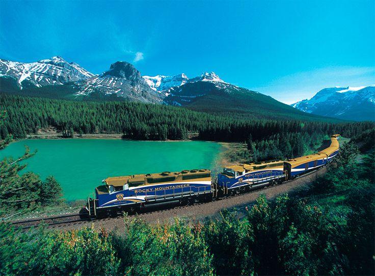 Туристическая компания Rocky Mountaineer, организующая путешествия на поезде по западной части Канады, нашла новый способ привлекать путешественников в свои края. Все красоты маршрута помогает передать виртуальный тур, снятый с углом обзора 360 градусов.