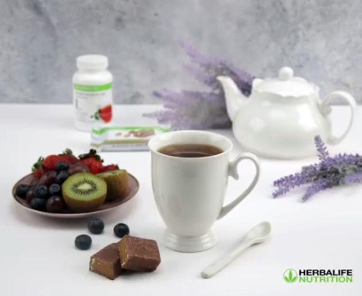 Ara öğünlerimizin vazgeçilmez ikilisi, Herbalife Bitkisel Konsantre Çay ve Herbalife protein bar.  www.idealbeslen.com 0536 612 9009  Whatsapp  #herbalife #çay #cay #vazgeçilmez #proteinbar #araöğün #ara #break #lezzetli #limonlu #fıstıklı #bademli #şeftali #ahududu #klasik