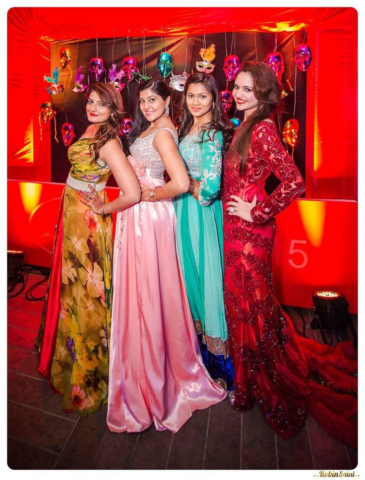 Gorgeous-Indian-girls at -IThe-Corinthians-Resort-wedding-gujarati-wedding_089_019