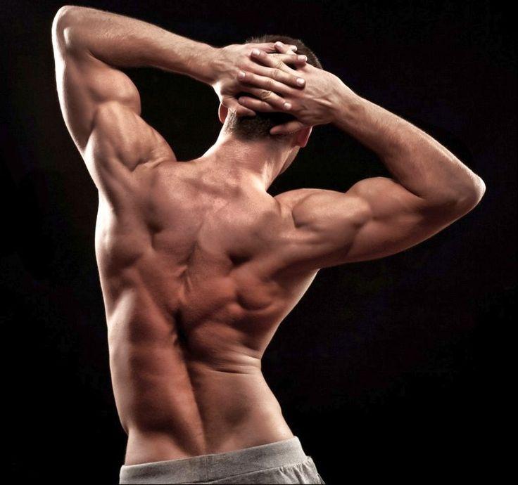 Сильная спина - это не только дань красивому телу, но и необходимость для здоровья. Как накачать мышцы спины в домашних условиях, не покупая абонемент в зал?