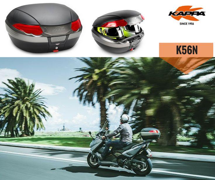 KAPPA K56N | Não deixe nada para trás com o novo Top Case K56N! Equipado com grandes refletores vermelhos que aumentam a visibilidade da parte traseira e laterais. Está ainda equipado com alça de transporte retrátil e com sistema de fecho de segurança. Capacidade até 56 ltrs, que permite colocar 2 capacetes modulares. Saiba mais sobre o Top Case K56N da Kappa. #kappa #lusomotos #topcase #K56N #andardemoto #estilodevida #viajar #passeio #capacetes #refletores