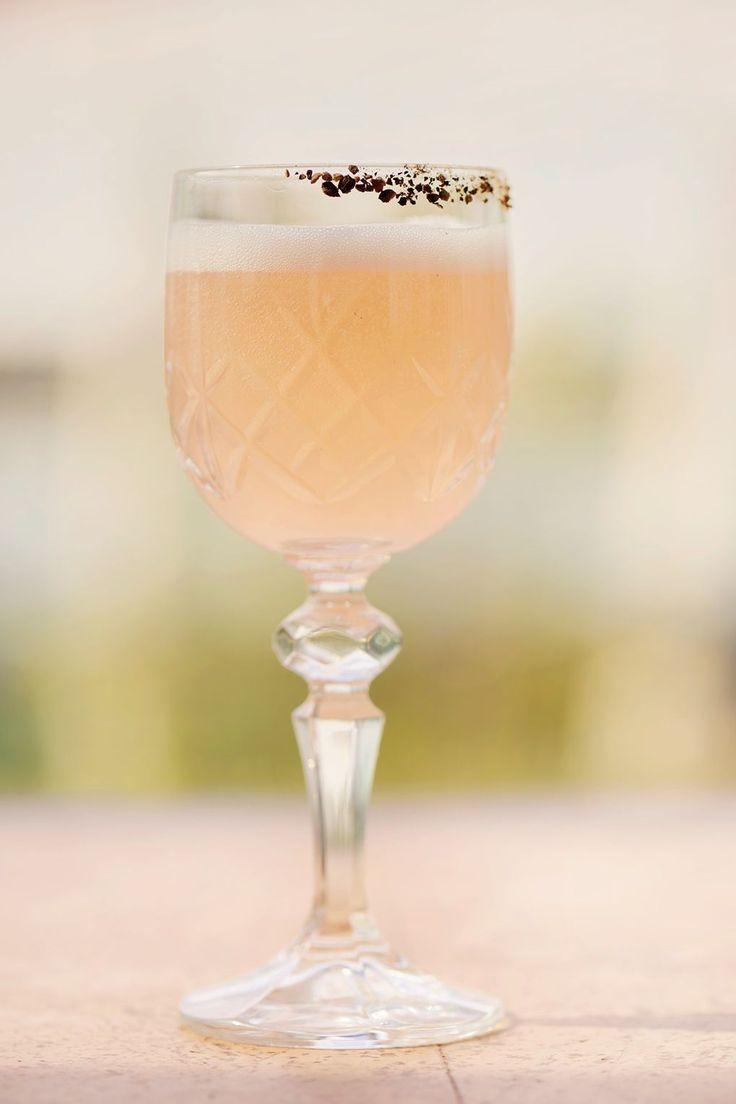 """""""SE10"""": Gin, Prosecco & Strawberry Liqueur"""