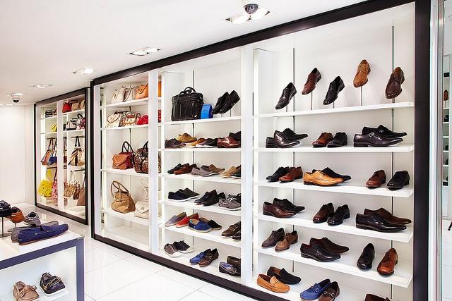 les 27 meilleures images du tableau cantereau boutique retail shop sur pinterest mille. Black Bedroom Furniture Sets. Home Design Ideas