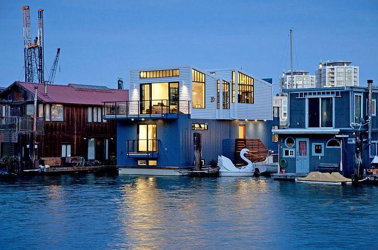 113 best houseboats images on pinterest floating homes houseboats and boat house. Black Bedroom Furniture Sets. Home Design Ideas