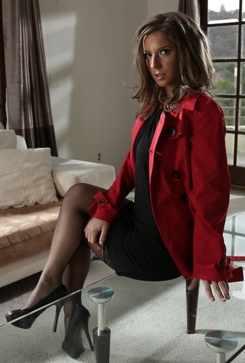 rose milf personals Free porn: catfight, wrestling, fight, sexfight, tribbing, facesitting and much more.