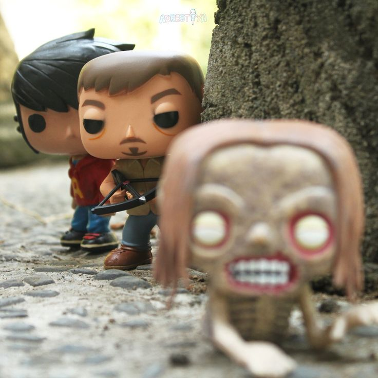 Daryl dixon teach Little Andra how to kill walkers ~