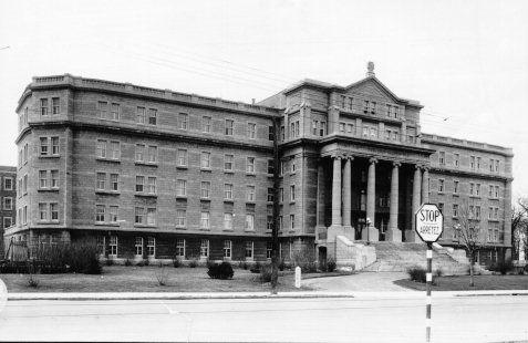 Institut des sourds et muets, 1936 (photographie Z-126)